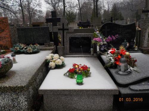 Usługa opieki nad grobami