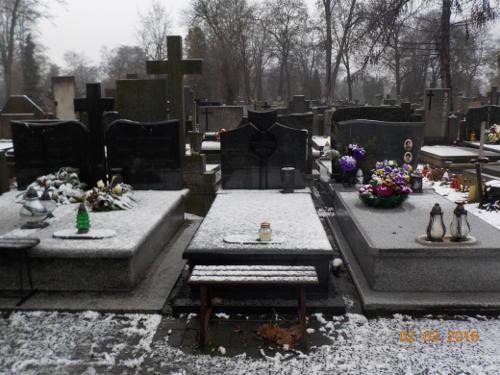 Grób na warszawskim cmentarzu
